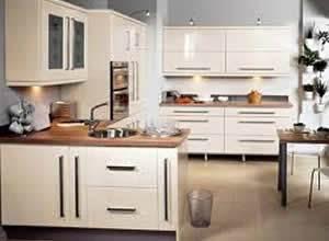 Tủ bếp gỗ veneer xoan đào gia lai 02